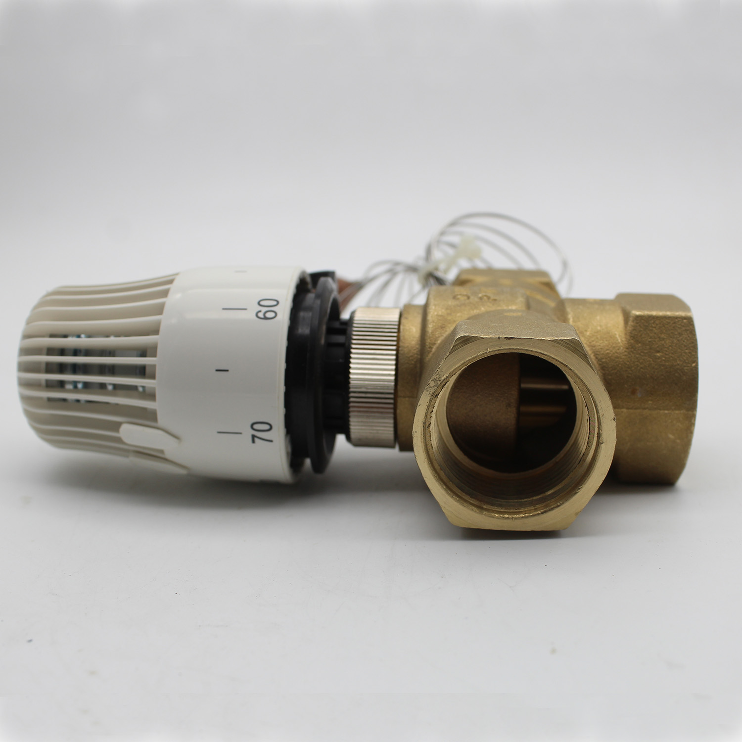 Energy saving 30 70 degree control Floor heating system thermostatic radiator valve M30*1.5 Remote controller 3 way brass valve-in Valve from Home Improvement    3