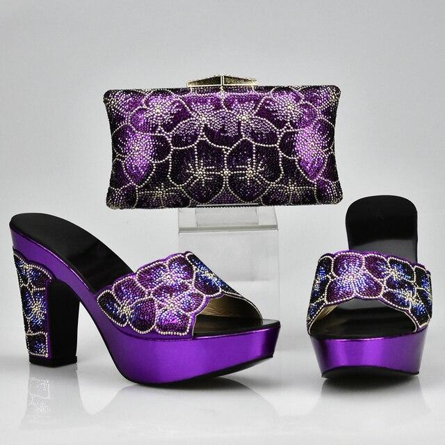 2970714f4 Sapato e Bolsa de Correspondência de Cores roxo Conjunto Decorado com Strass  Sapato Africano e Saco