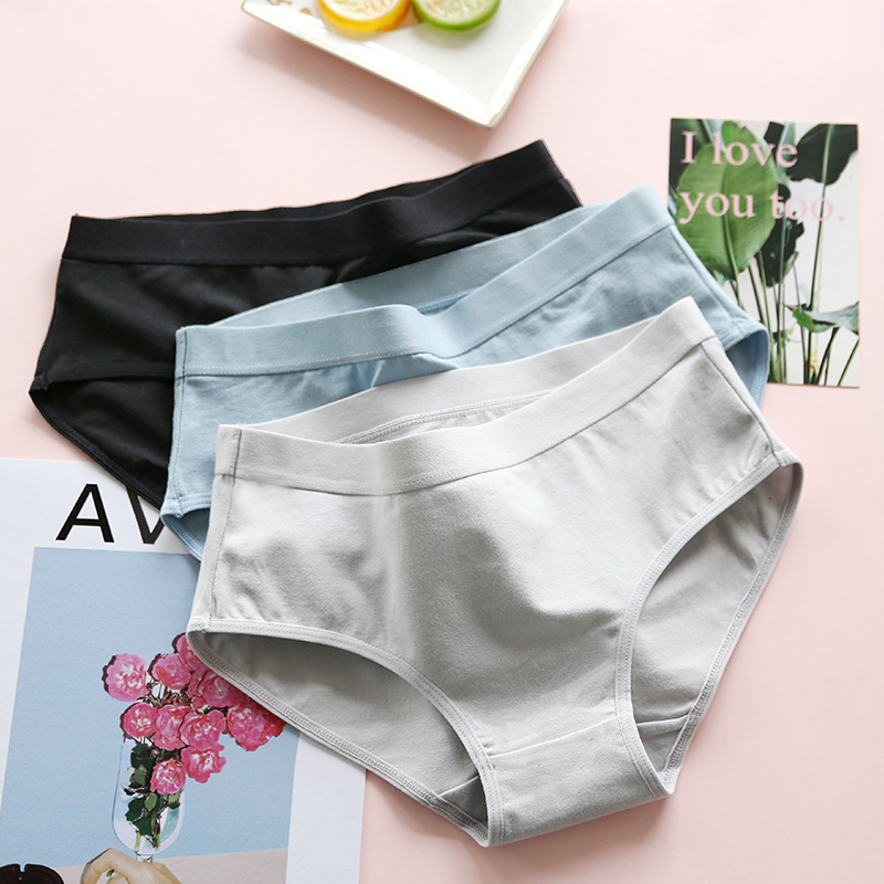 New Women   Panties   2018 Comfortable Briefs Solid Color Soft Cotton Traceless Girl Underwear