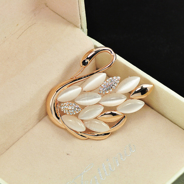 Lovely Swan brooches for women pins
