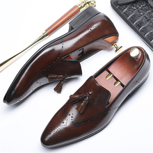 Genuine leather men brogue Business Wedding banquet shoes mens casual flats vintage handmade oxford for 2019 red