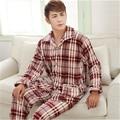 Pijama de Flanela inverno estilo Clássico dos homens tamanho Grande roupas Para Casa tipo de Coleira terno-gola quadrada lazer cashmere Coral