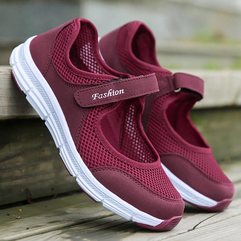 Women Shoes 2019 New Spring Lightweight Mesh Ladies Shoes Comfortable Hiking Outdoor Mother Casual Shoes Woman Sneakers