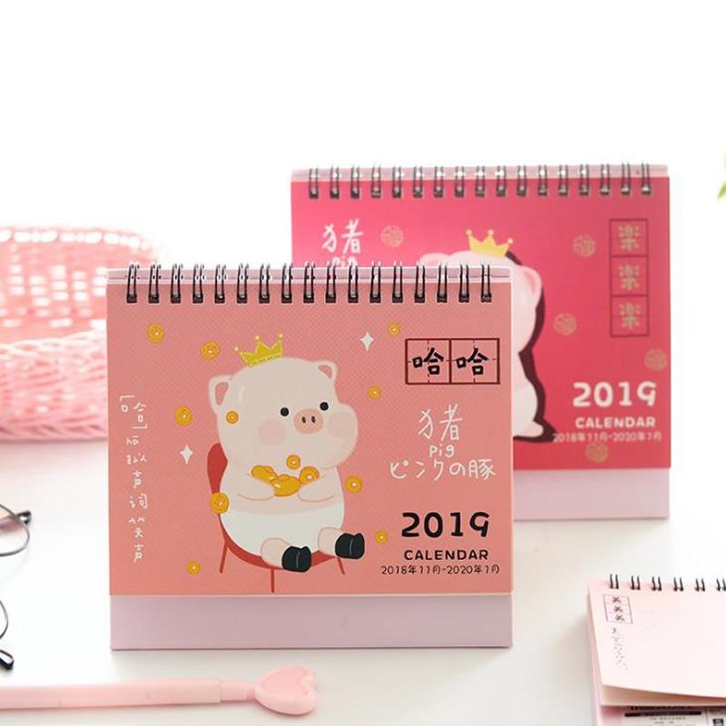 1 Stücke Kawaii 2019 Jahr Mini Cartoon Tier Schwein Kalender Desktop Stehenden Tisch Kalender Organizer Schedule Planer Schreibwaren