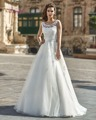 Dreagel  Graceful Organza Lace Up Scoop Neckline A-Line Wedding Dress Appliques Lace Bow Sash Brush Train Sleeveless Bride Dress