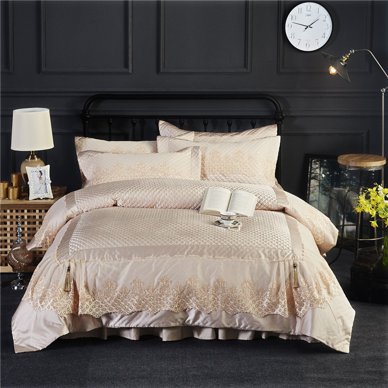Beige Luxury Silk Cotton Lace Royal Embroidery Bedding Set King Queen Size Thick Duvet Cover Bed Sheet Bed Linen PillowscasesBeige Luxury Silk Cotton Lace Royal Embroidery Bedding Set King Queen Size Thick Duvet Cover Bed Sheet Bed Linen Pillowscases