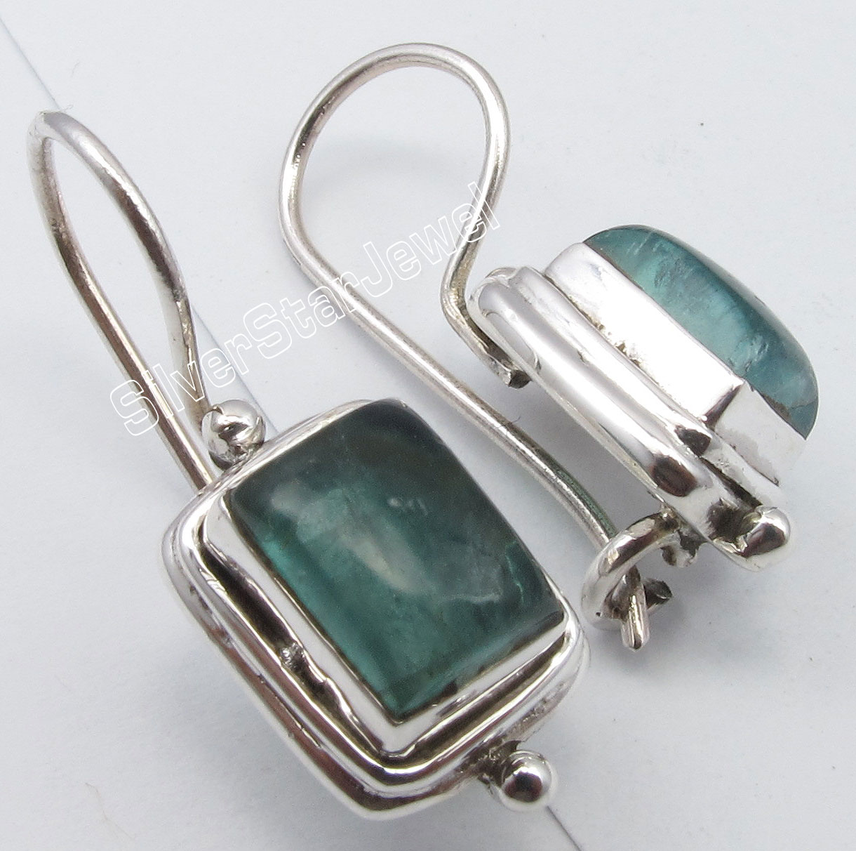 Chanti International . Solid Silver Rare GREEN APATITE Fix Hook Earrings 1 inches BIRTHDAY PRESENT