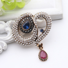 Jewelry Pin Vintage Curve