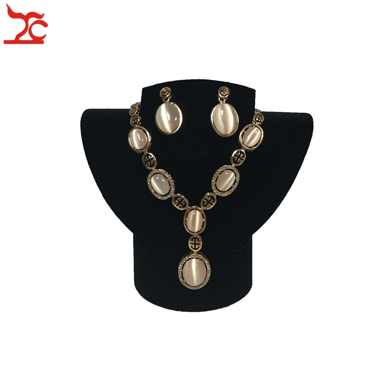 Big Sell Fashion Jewelry Necklace Collar Ring Earring Choker Jewelry Display Rack Foldable Velvet Neck Bust  Stand Holder