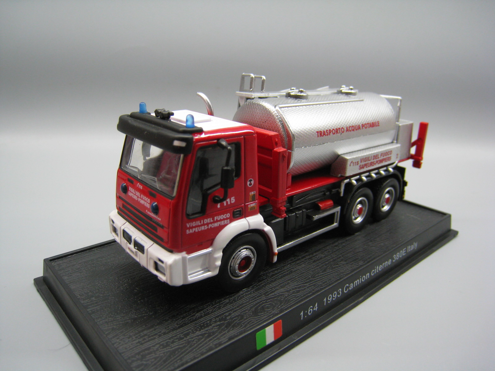 AMER 1/64 Scale Car Model Italy 1993 CAMION CITERNE 380E Fire Engine Diecast Metal Truck Model Toy For Collection,Gift,Kids