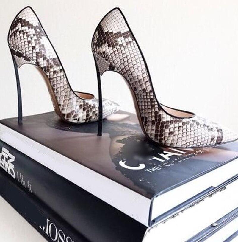 Nova Pele De Cobra Apontou Toe Calcanhar Bombas Lâmina Sexy Python Saltos De Metal Mulheres De Salto Alto Vestido de Festa sapatos de Couro mulher