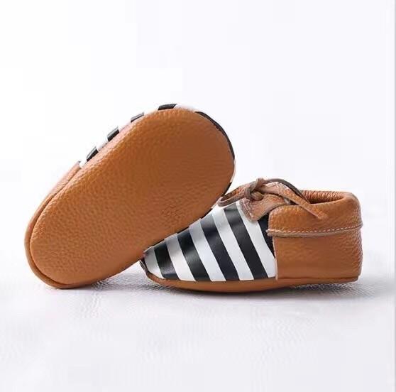 Retail Nuevos Mocasines Zapatos de Bebé de Cuero Genuino a cuadros Bebé gilrs niños Zapatos Recién Nacido primer caminante Zapatos Infantiles