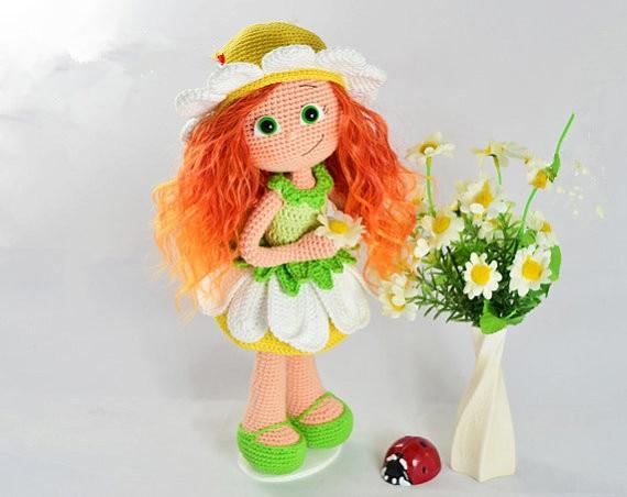 44ad425e68f7a Кукла погремушка в цветочек Amigurumi вязаный крючком именем han ...