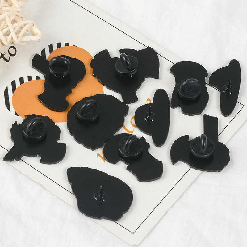 9 Pin Split Sculpture Brooches for Women Art Chic Pins SpongeBob Cowboy Patrick Star Jewelry Enamel Pin Badges Bag Accessories