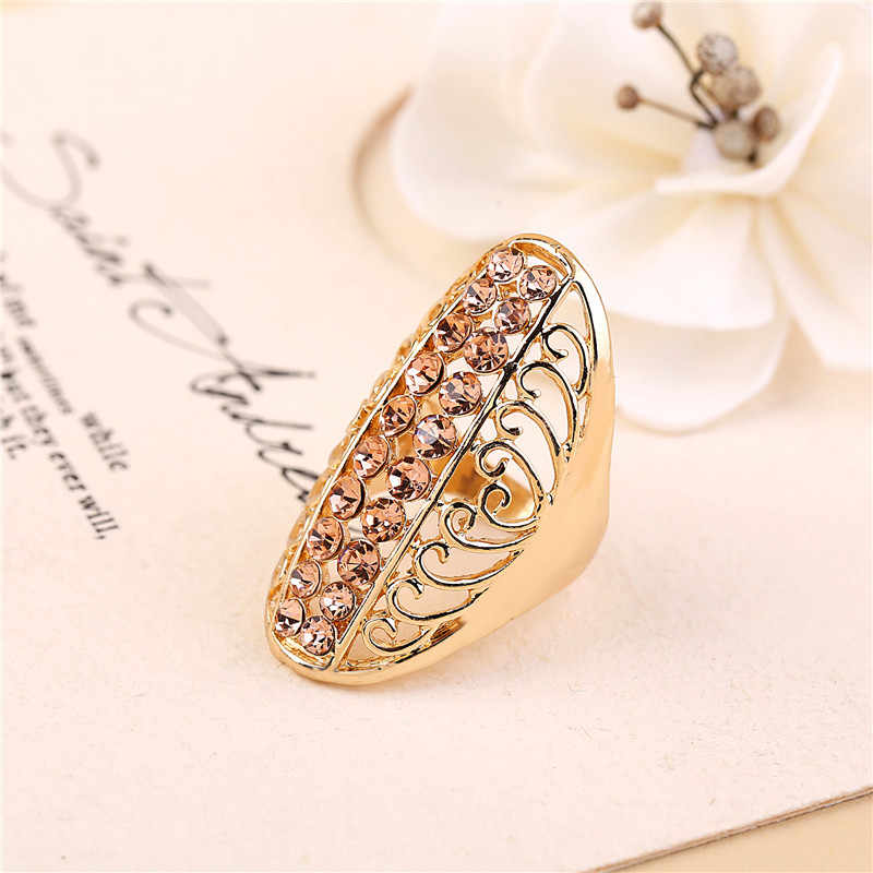 Trendy Exquisite Gold/Silver Rings Hollow Design Man Woman Special Wide Rhinestone Rings 3 Sizes7 8 9 US And Europe Jewelry