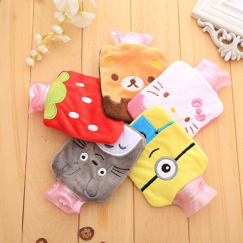 4Pcs Creative Cute The Avengers Batman Cartoon Totoro Kawaii Hello kitty Novelty Baymax Hand Feet Warming Hot Water Bottles Bags uncanny avengers volume 4