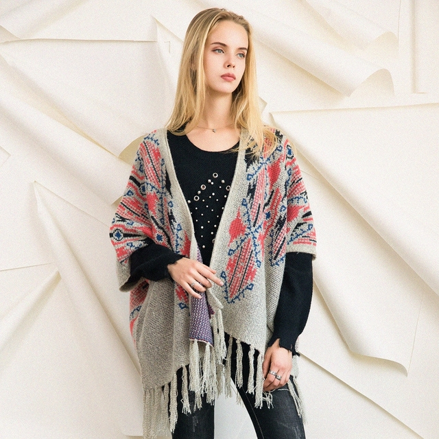 Knitted Sweater Cardigan Poncho Shawl Winter Grey Floral Pattern Tassel Thick Warm Gypsy Boho Chic Vintage