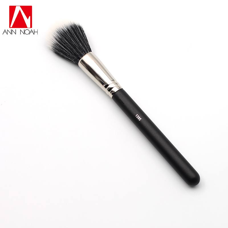 Black Feature Wood Handle Synthetic Duo Blonde White Fiber Medium Size 139S Round Tip Tapered Face Brush For All Formula