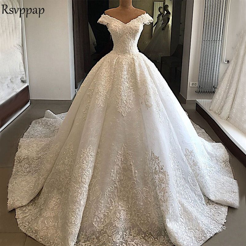 Long Sleeve Ball Gown Wedding Dress 2018 V-neck Cap Sleeve Elegant Vintage Arabic Style Bridal Beaded White Wedding Gowns