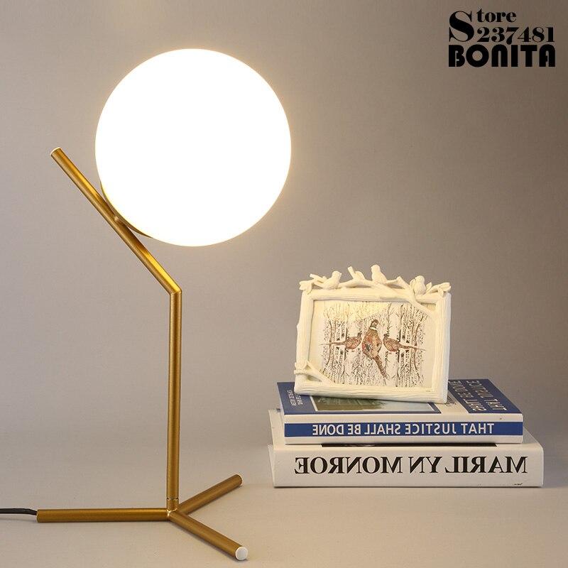 Nordique moderne minimaliste lampes de table pour salon blanc boule de verre lampe de table fer trépied laiteux boule ronde lampe de bureau lecture