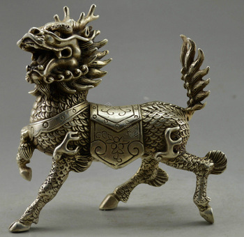 Metal Crafts Collectible Decorated Old Handwork Tibet Silver Carved Kylin Statue Tibet Silver decoration bronze factory