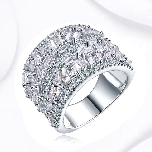 Trendy Random Fashion Baguette Stone Setting Cubic Zirconia Thick Wedding Band Ring Women Luxury Accessories Bridal
