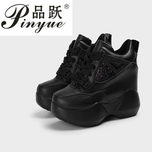 2018 the spring and autumn period and the hot sale style women shoes hidden wedge heels boots elevator casual shoes for women