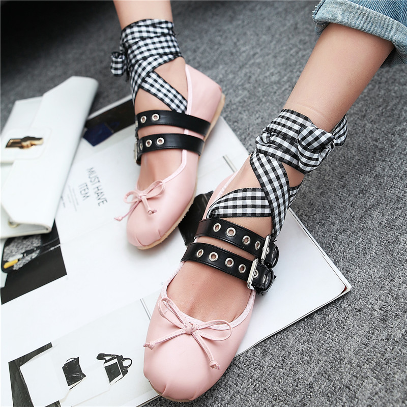 Plus Size 32 - 48 Ballerina Flats 2017 Latest Fashion personality Woman Shoe Black Pink Bowtie Riband Buckle Strap Ballet Flats