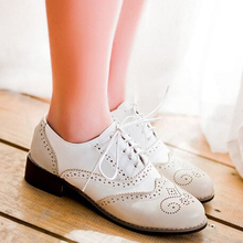 Fashion Fashion Vintage Leather Black And White Cutout Carved Lace Up Low Heel Oxford Brogue Shoes