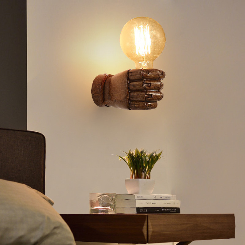 Retro creative fist industrial wall lamps restaurant bar cafe clothing store wall sconce resin bedroom bedside wall light GY135 цена
