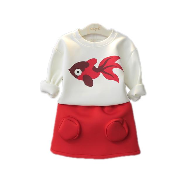 La moda de Nueva 2016 la Primavera Y el Otoño de los Bebés 2 unids Ropa de Los Niños conjunto Chicas Coreanas Gold Fish Pullover Top Falda Traje Para 2-7Y