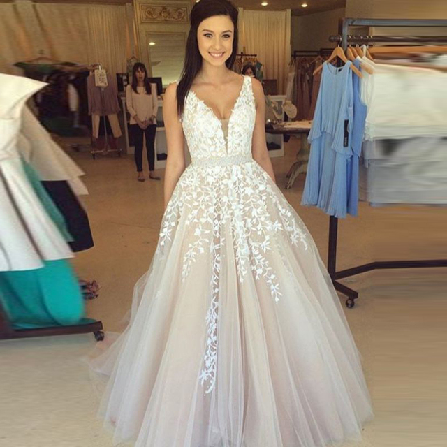 6fa559b77d501 Gorgeous Sleeveless V-Neck Tulle Wedding Gowns Lace Appliques Floor-Length  Ball Gowns Formal Party Dresses Custom Made Plus Size