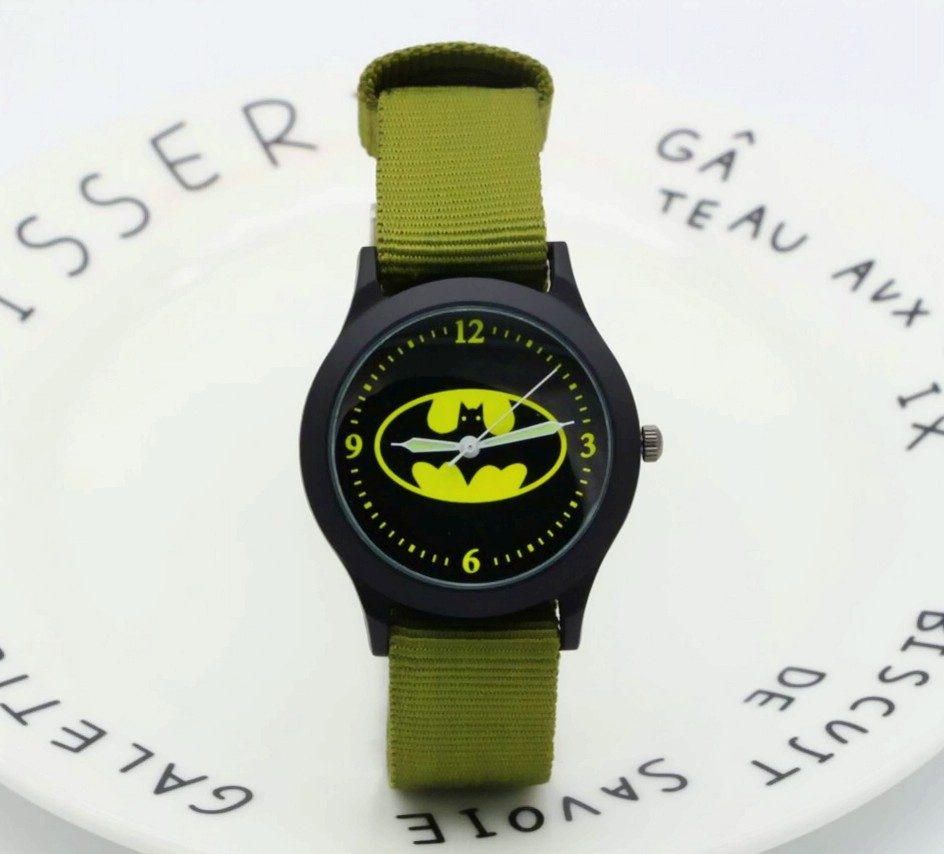 2018 New Fashion Nylon Kids Batman Watches Promotion Gift Women Man Cartoon Luminous Quartz Watch