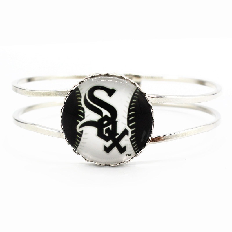 New arrive 6pcs/lot sports Chicago White Sox baseball team charms alloy silver bracelets for man women fashion sports jewelry