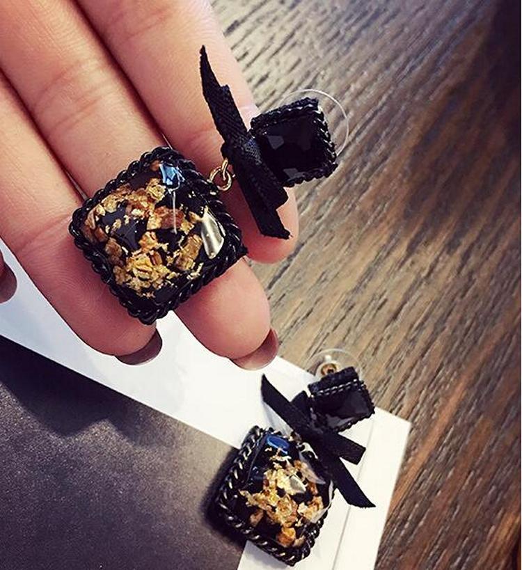 New Retro Wild Black Square Stone Bow Earrings Women Accessories Boucles D'oreilles Pour Les Femmes Statement Earrings Brincos