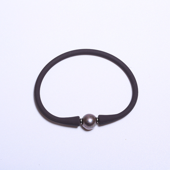 Silicone Bracelet With Black Pearl