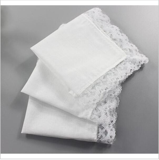 белые кружевные платочки