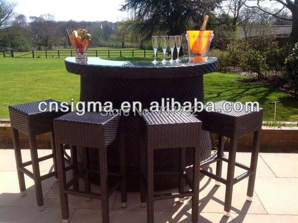Newest Design Outdoor Furniture Resin Wicker Bar Set Table