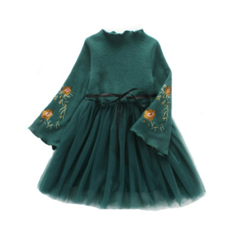 Girls Cute Embroidered Long Sleeves Dress 2017 Autumn New Children's Cotton Flare Sleeve Christmas Dresses Kids Clothes CC549