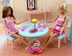 Image 4 - 送料無料女の子の誕生日プレゼントプレイセットのおもちゃ人形ダイニングエリア冷蔵庫プレイセット人形バービー人形用の家具