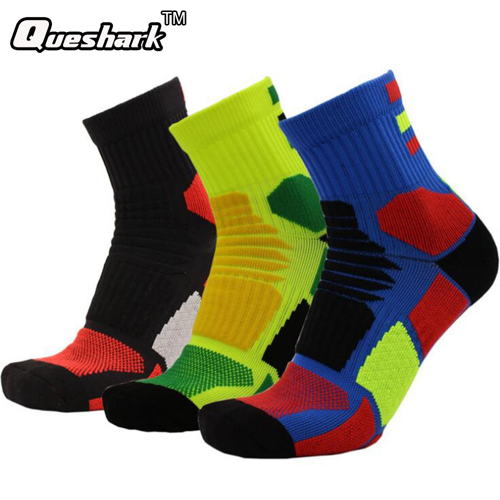 Football Sweat Towels: Colorful Football Basketball Absorb Sweat Cotton Socks