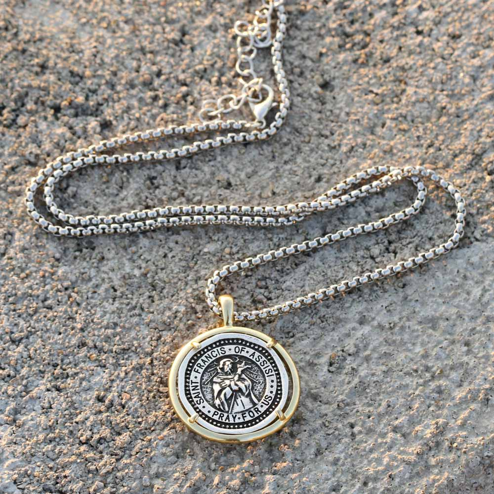 ST SAINT FRANCIS OF ASSISI MEDAL NECKLACE PENDANT GIFT BOXED