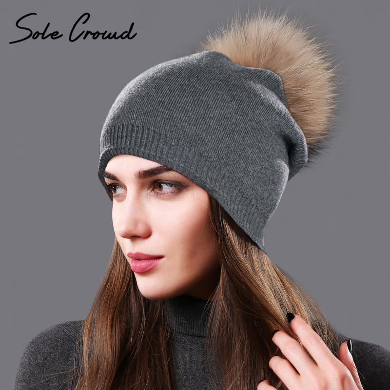 [Único] multitud gorros natural real raccoon fur pompom sombreros Otoño Invierno Caliente mujeres de punto de lana del casquillo de la manera femenina sombrero skullies