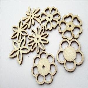 Image 3 - 20/50pcs 30 millimetri Naturale tipo di miscela Openwork carving modello di fiore di legno Scrapbooking Fatti A Mano Carft per La decorazione Domestica fai da te Q30