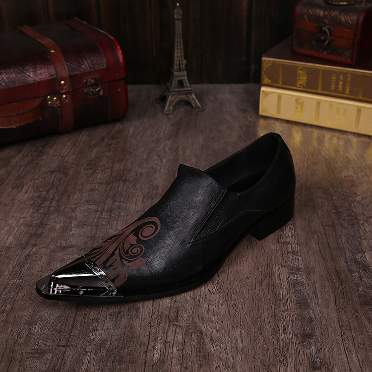 Zobairou British style black spiked loafers mens italian shoes pointy iron toe slip on oxford shoes for men wedding dress 2017