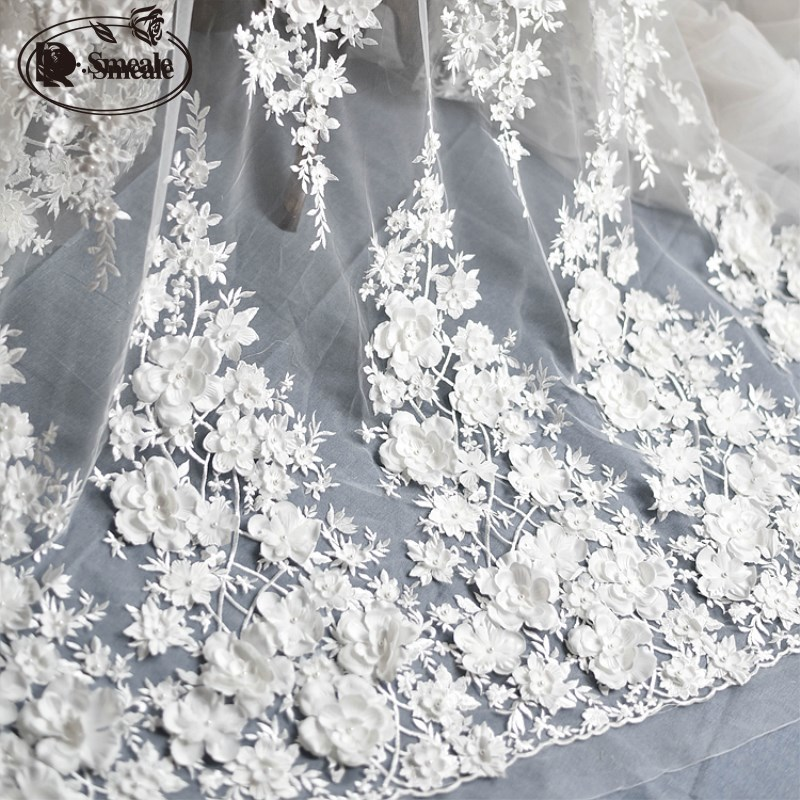 Ivoire blanc robe de mariée dentelle tissu, 3D mousseline de soie fleurs ongles satin perle haut de gamme européenne dentelle tissu livraison gratuite RS583