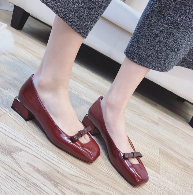 11e4f0be07c Spring Summer Women Shoes Thick Heel Sweet Bow Fashion Shoes Ladies Dress  Shoes Casual All-match Shoes Low Heel Pumps 2588