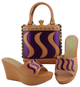 Image 2 - Matching Shoes and Bag Set Gold Color Italian Ladies Shoe and Bag Set Decorated with Rhinestone African Party Shoes MD005