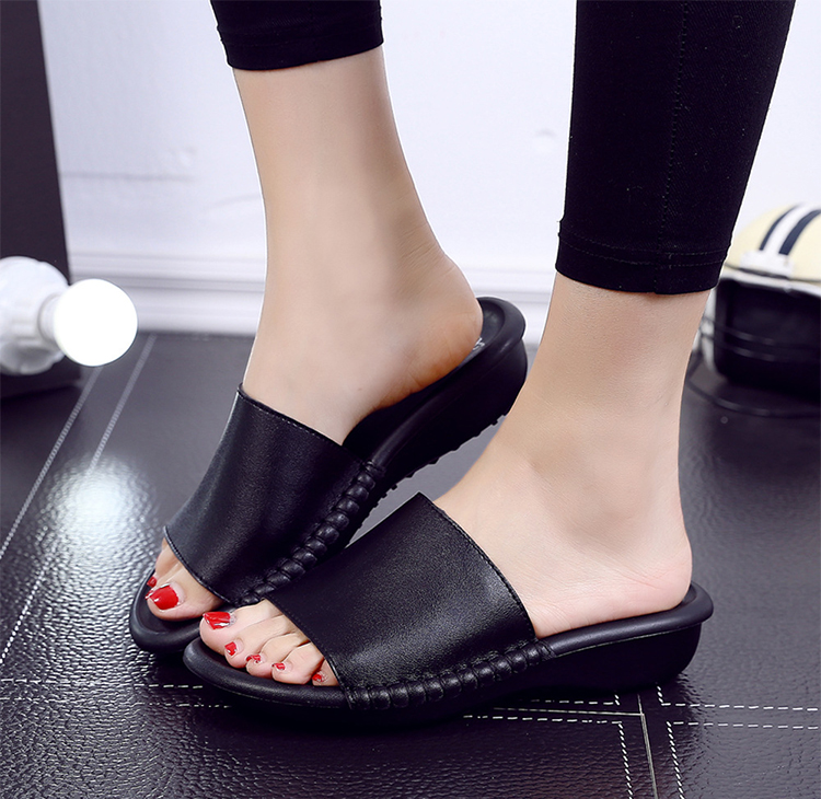 LEATHER-SLIPPER_01