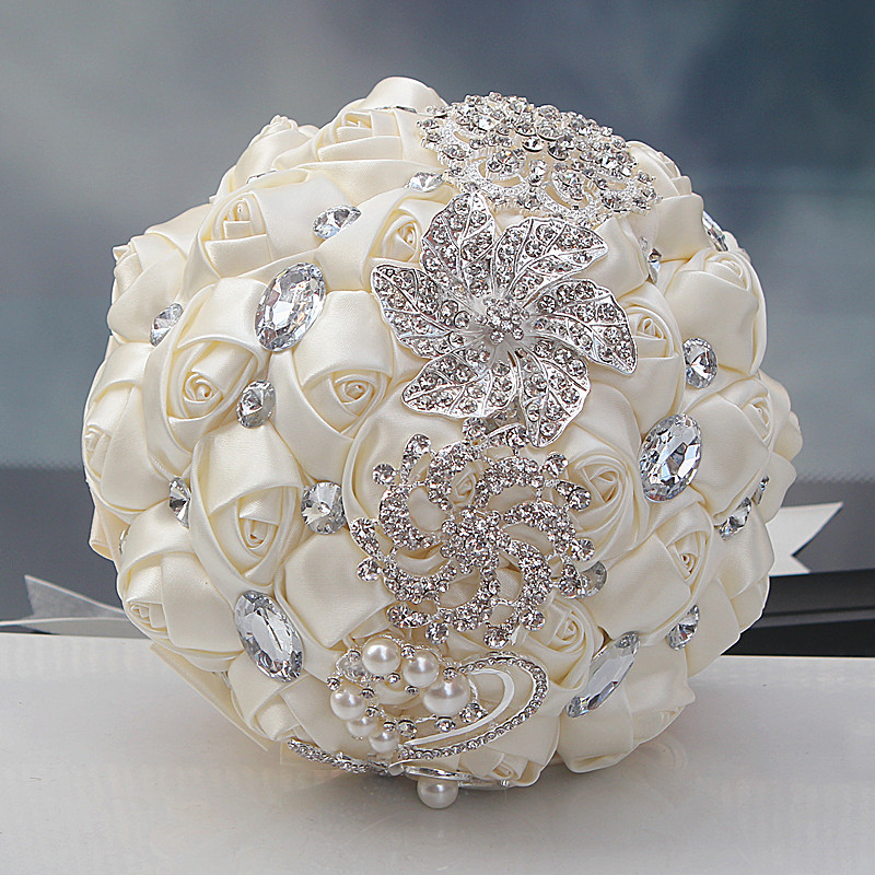 Hot Sale Luxury Cantik Wedding Bridal Bouquet Elegant Pearl Bride Bridesmaid Wedding Bouquet Kristal Sparkle Disesuaikan W228-4